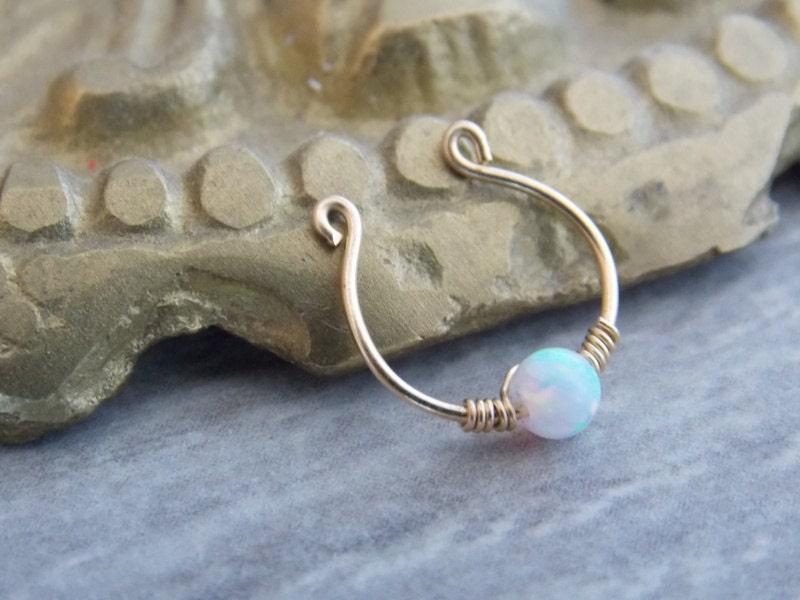 wei er opal fake septum hoop ring 14k gold gef llt clip auf. Black Bedroom Furniture Sets. Home Design Ideas