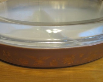 Vintage Pyrex Brown Americana 1 1/2 Quart Divided Casserole Dish with Lid