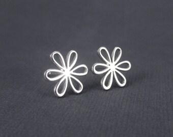 Daisy Earrings Sterling Silver Stud Earrings, Floral Jewelry, Flower Earrings