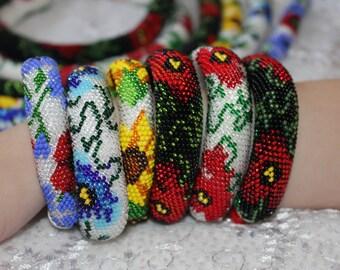 Flower Pattern Bracelet, Bead Crochet Bracelet, Flower crocheted bracelet, Multicolored Bracelet, Beaded Bracelet, Poppy bracelet