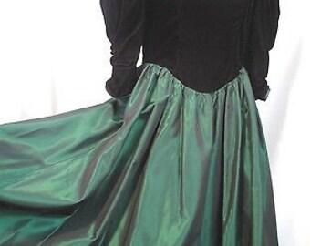Vintage Gunne Sax Black Velvet Dress Size 5 3/4
