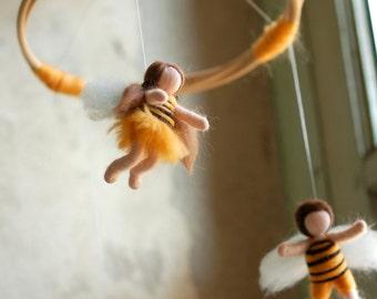 Bee Carousel, fairy tale wool, Waldorf inspiration