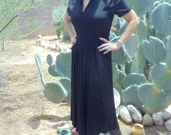 Vintage 1940's Black Rayon Crepe Dress with Lace Collar and Pockets