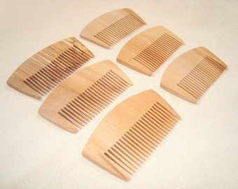 Set of 6 wood combs. Wooden combs. Wood combs. Eco-friedly wooden combs. Eco-friendly wood accessories