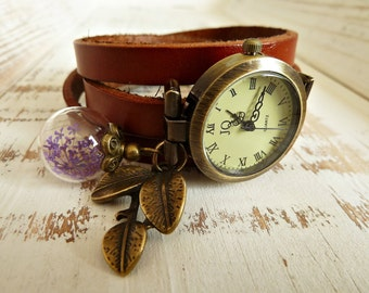 Winding watch with genuine flower violet