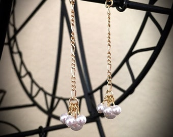 Gold chain Pearls w/ Pearl back