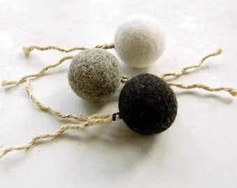 Felt organic catnip ball with tail Set of THREE - felt balls with sisal tails - cat toys