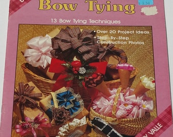 Vintage Craft Book, Bow Tying Tecniques, Secrets of Bow Tying, 1980s Vintage Craft Book, 20 Project Ideas