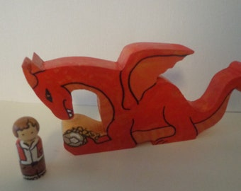 Smaug and Hobbit Peg Doll Play Set