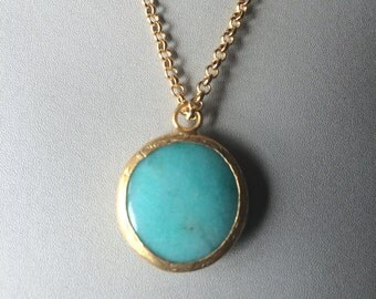 Turquoise Jade Round Pendant (21 mm) and Necklace