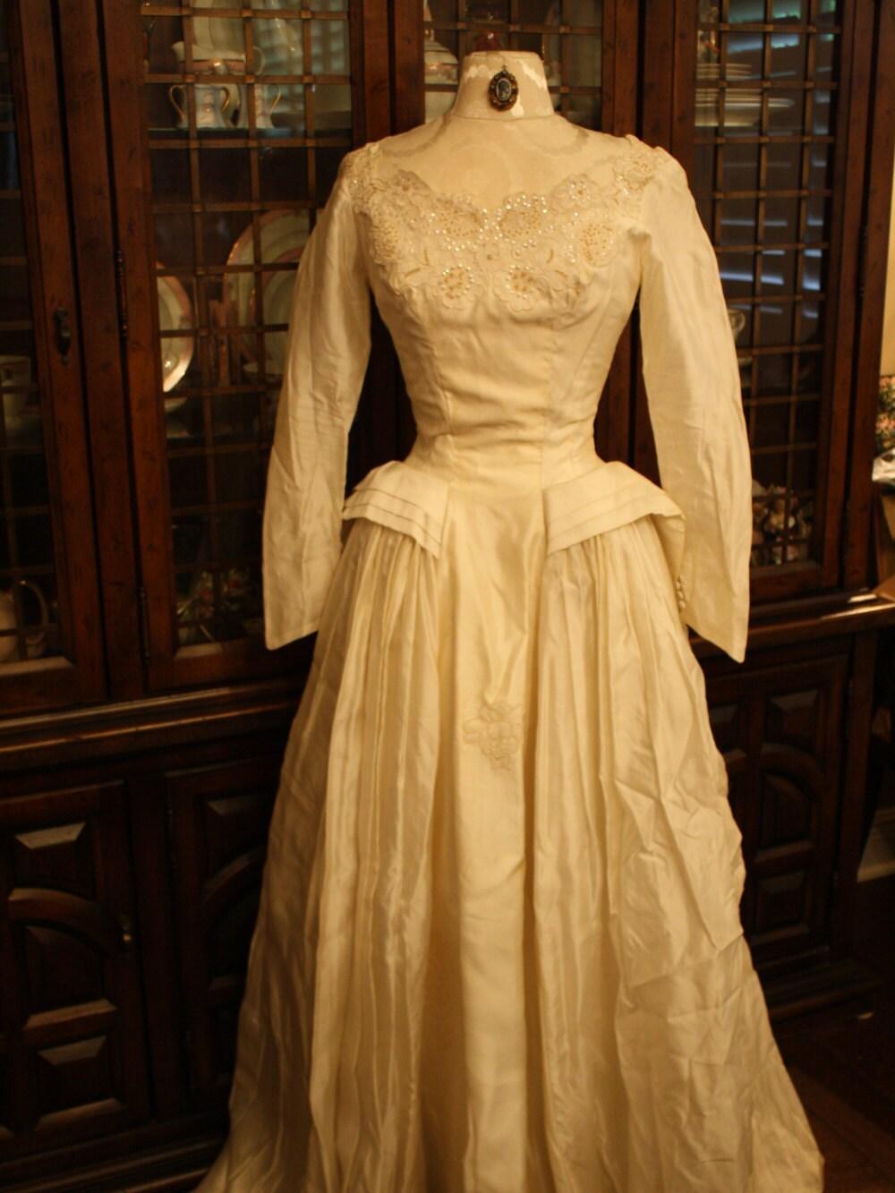 1950s wedding dress silk tudor edwardian renaissance wedding for Tudor style wedding dress