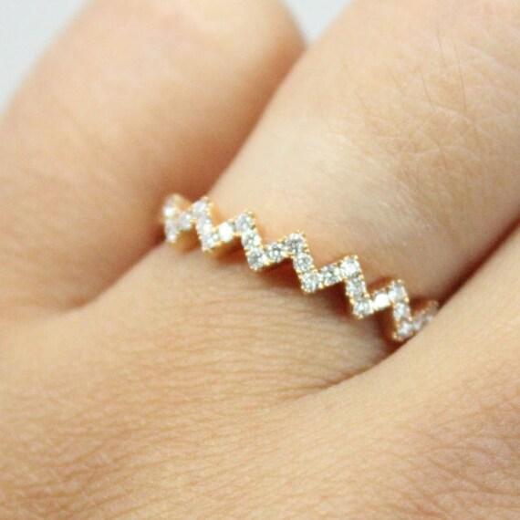 Wedding Band 18k Rose Gold | Chevron Stacking Ring 18k Rose Gold | Diamond and Rose Gold Ring Band
