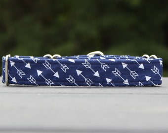 Arrow Navy Hunter Dog Collar