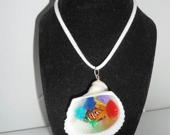 Necklace shell and mini reef