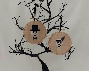 Skull Couple cross stitch pattern only.