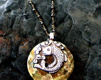 Tibetan Pendant Necklace Fish Motif on Golden Agate, Tibetan Jewelry, Nepal Jewelry, Ethnic Jewelry, Collier Ethnique, Pyrite Rosary Chain