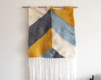 Woven Wall Hanging / Geometric pattern // Handwoven Tapestry Textile Wall Art Home Decor