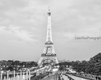 Paris Photography,instant download photography,Paris black and white,black and white picture,bnw art,Eiffel Tower home decor,city of lights