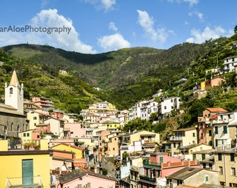 Cinque Terre photography,instant download photography,Italy picture,Mediterranean village photo,Riomaggiore picture,Italian village photo
