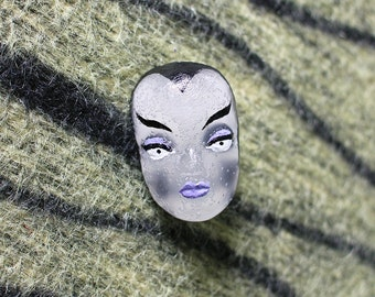 Ghoul face skull pin