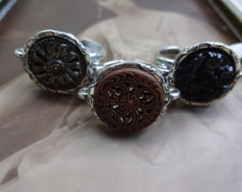 Vintage button ring in silver setting/adjustable size,vintage-inspired jewelry,button