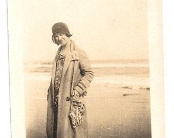 Flapper beach photo cloche hat 1920s ocean vacation