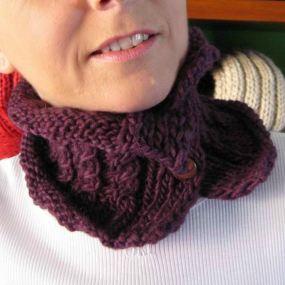 Purple Wool Chunky Knit Cowl, Womens Scarves, Short Scarf, Neck Warmer, Hand Knit Scarf With Buttons, Purple Cowl, Wool Cowl, SALE