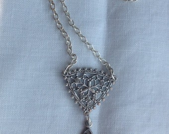 oO EVELYN Oo silver swarovski pendant victorian necklace