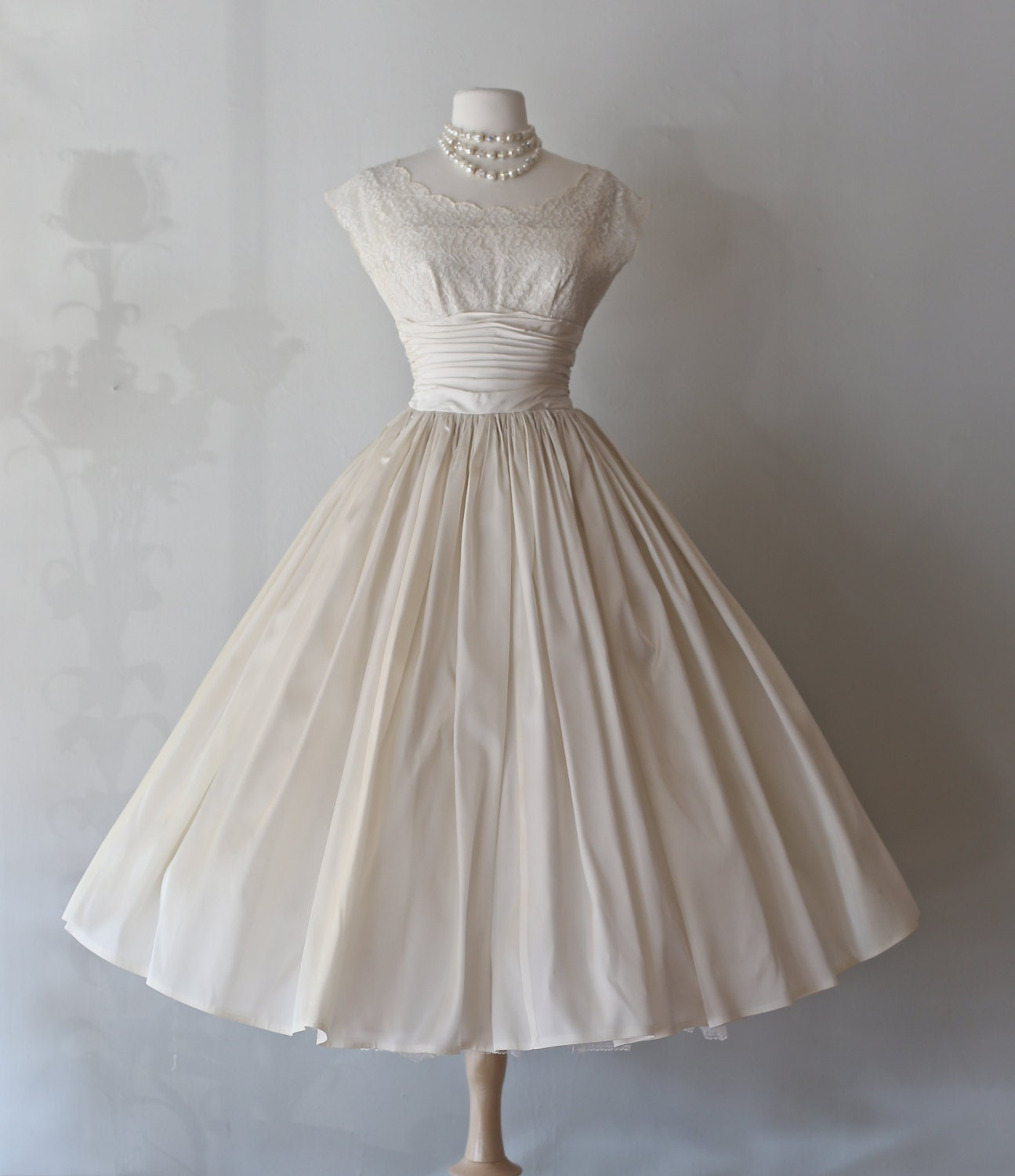 Vintage 1950 39 s tea length wedding dress 50s wedding for 1950 wedding dresses tea length