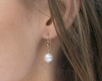 Classic Pearl Earrings, Natural pearl drop earrings, Silver or gold, round pearl earrings, bridesmaid gift, bridal jewelry