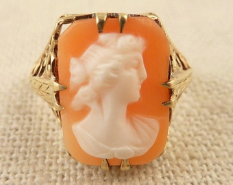 Size 4.5 Vintage 14K Gold Art Deco Shell Cameo Ring