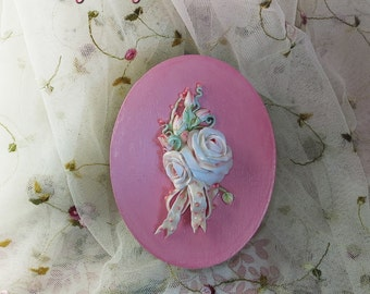 Gift Box, Oval Box, Bouquet of Roses, Shabby Chic, Vintage Style, Cottage Style, Wedding Gift, Destash Discount Sale, Price Drop
