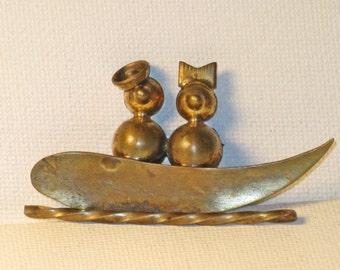 Vintage Industria Argentina Brass Duck Lovers Boat Brooch Pin  (B-2-3)