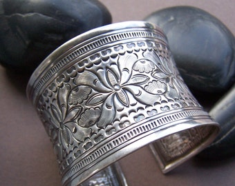 Vintage Stering Silver Wide Cuff Bracelet - Silver Stamped Floral Cuff Bracelet