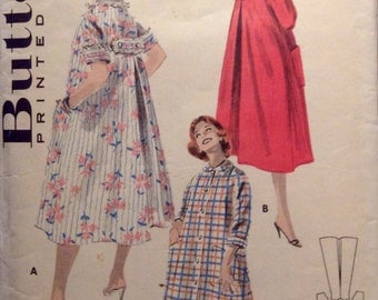 Vintage Sewing Pattern Women's 1950's Robe Lounge Wear Miss 12 Flared Duster Back Interest Empire Bow