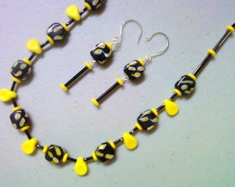 Black and Yellow Necklace and Earrings (0334)