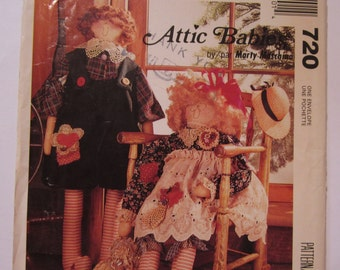 27 inch Rag Doll and Clothes Attic Babies Maisie & Mortie Country Vintage 1990's McCalls Crafts Pattern 720 UNCUT