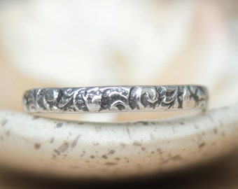 Woodland Floral Band in Sterling - Silver Organic Wedding Band - Narrow Nature Inspired Ring - Silver Unisex Bridal  Anniversary Ring