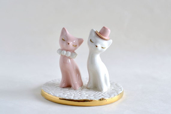 white ceramic wedding cake toppers cat cake topper pink and white wedding cake topper ceramic 27237