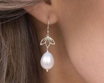 Freshwater pearl earrings, pearl earrings, lotus, silver earrings for bridesmaids, Bridesmaid gifts, wedding jewelry sets, bridal jewelry