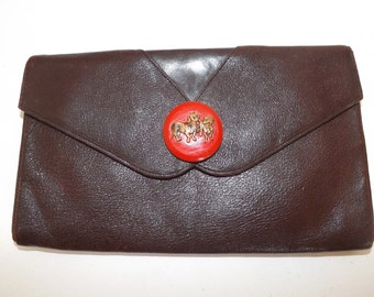 Vintage 40s brown leather clutch bag handbag with large wooden sausage dog dachshund button detail