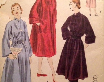 "Vintage 1951 Vogue Misses' Housecoat Pattern 7149 Size Medium (34-36"" Bust)"
