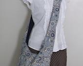 The Sling Bag, Cross-body Bag, Medium - Reversible - Blue Floral