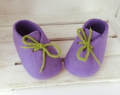 Felted baby shoes, newborn booties, natural felted wool booties