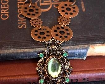 Steampunk Jewelry, Steampunk Green, Gear Jewelry, Art Deco Jewelry, Steampunk Necklace, Pendant Jewelry, steampunk green, fall trends,