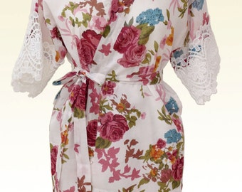 Bridesmaids robe White Ivory, Bridal party robes, Bride Kimono robes, Floral robes blooms, add on the sleeve lace be, wedding robes
