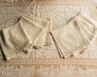 Lovely Ecru And Beige Tablecloth With Eight Napkins   Medium Weight Cotton  Blend   Greek