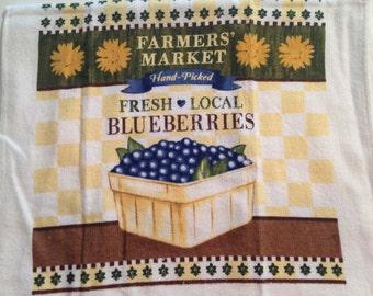Farmer's Market Blueberries Crochet Top Towel (R25)