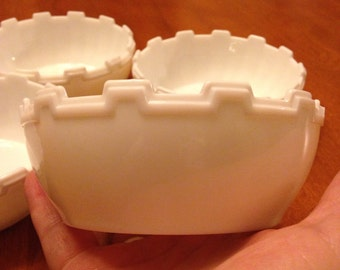 Four Art Deco Edge White Milk Glass Berry/Dessert Bowls