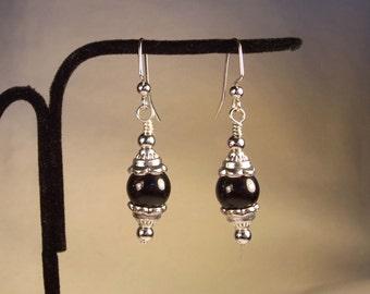 Black Earrings, Silver Earrings, Silver and Black Earrings, Black and Silver earrings, Vintage Look, Round Black Earrings